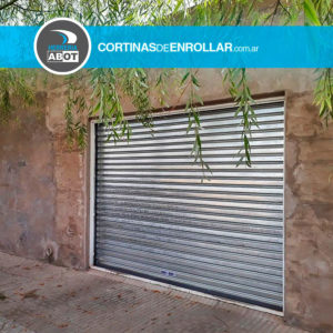 Cortina Ciega en Garage - Cortinas de Enrollar - Herrería Abot