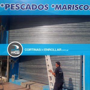 Cortina Galvanizada Ciega para comercio en Cipolletti - Río Negro - Cortinas de Enrollar - Herrería Abot
