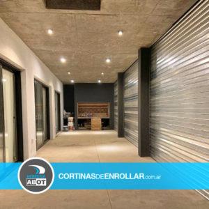 Cortinas de Enrollar Galvanizadas Microperforadas para Galería (Bahía Blanca, Buenos Aires)